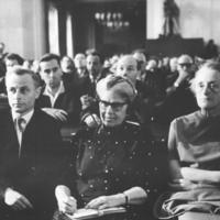 Bundesarchiv_Bild_183-B0708-0014-004,_Oberstes_Gericht,_Globke-Prozess,_Publikum.jpg